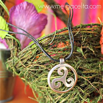 Trisquel celta con c rculo colgante plata Artesania gallega regalos